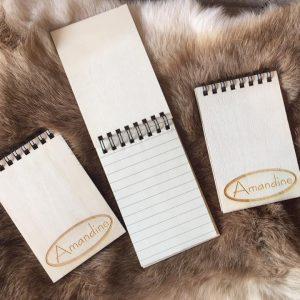 Houten notitieboekje - afwerking Amandine