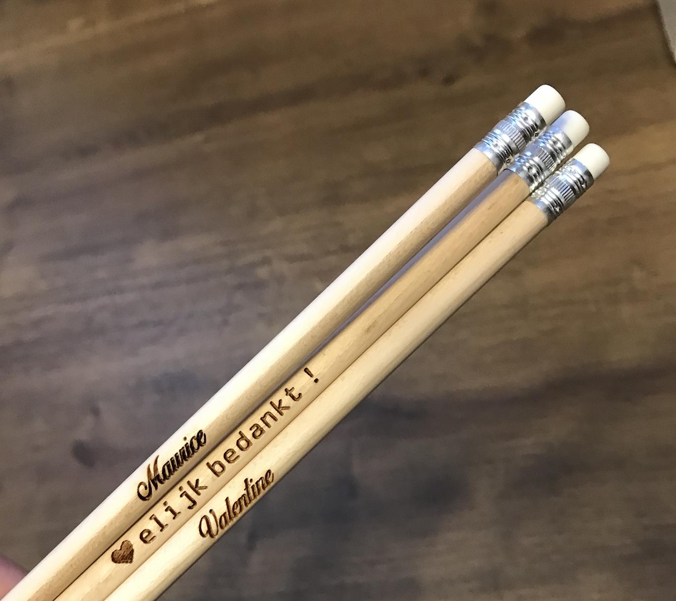 Houten potloden als bedanking